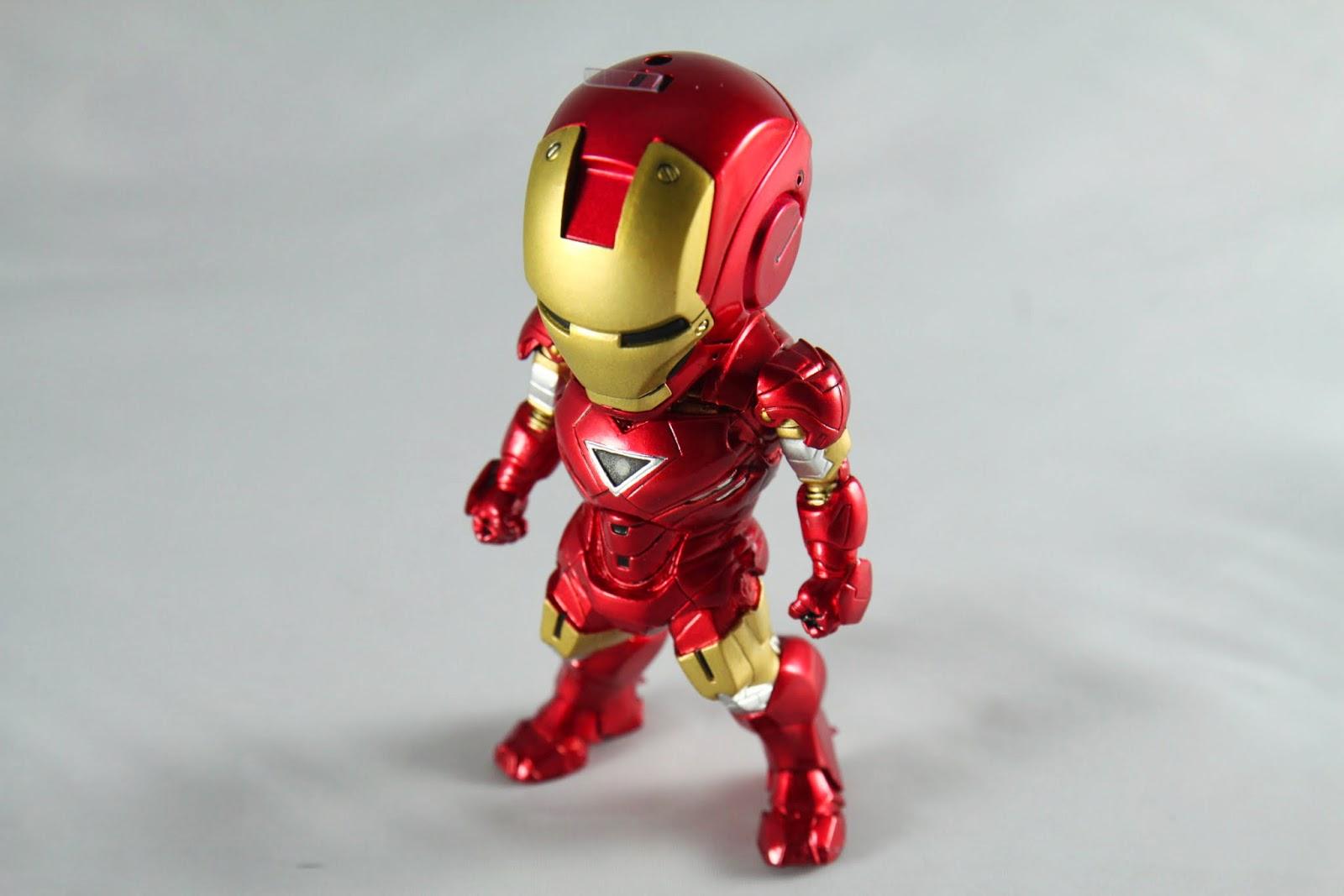 東尼輕易的合成新元素之後使用的第一件裝甲, 無論是出力威力都比舊款的好上很多