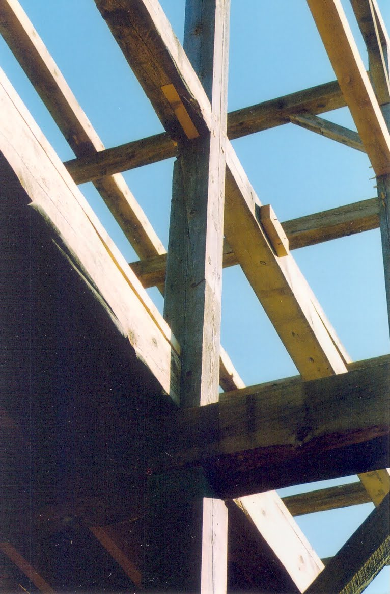 Free tenon in girt. Below the free tenon is an orignal scarf joint to the bottom of the post.