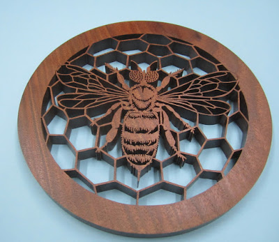 BEE original pattern by Fiona Kingdon (modified)