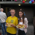 ... na což holky z Ukrajiny kontrovaly jablečným koláčem
