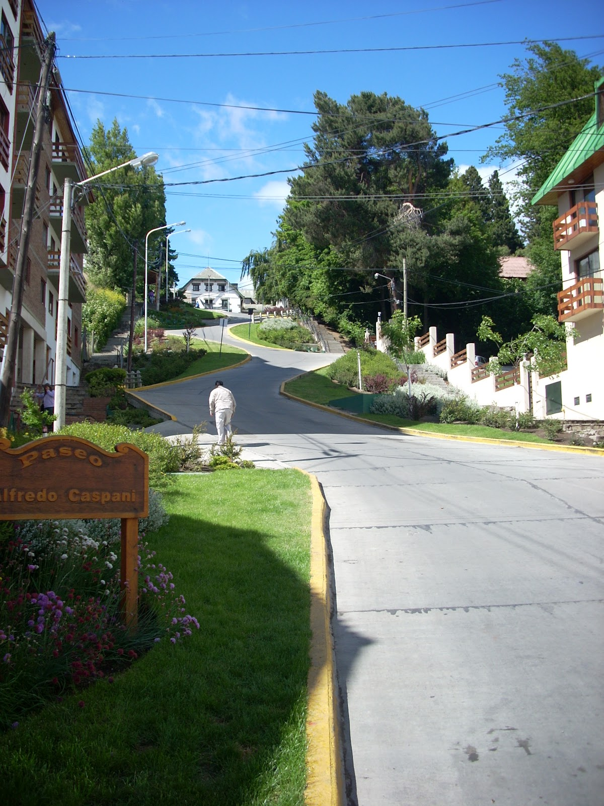 Steep streets in Bariloche