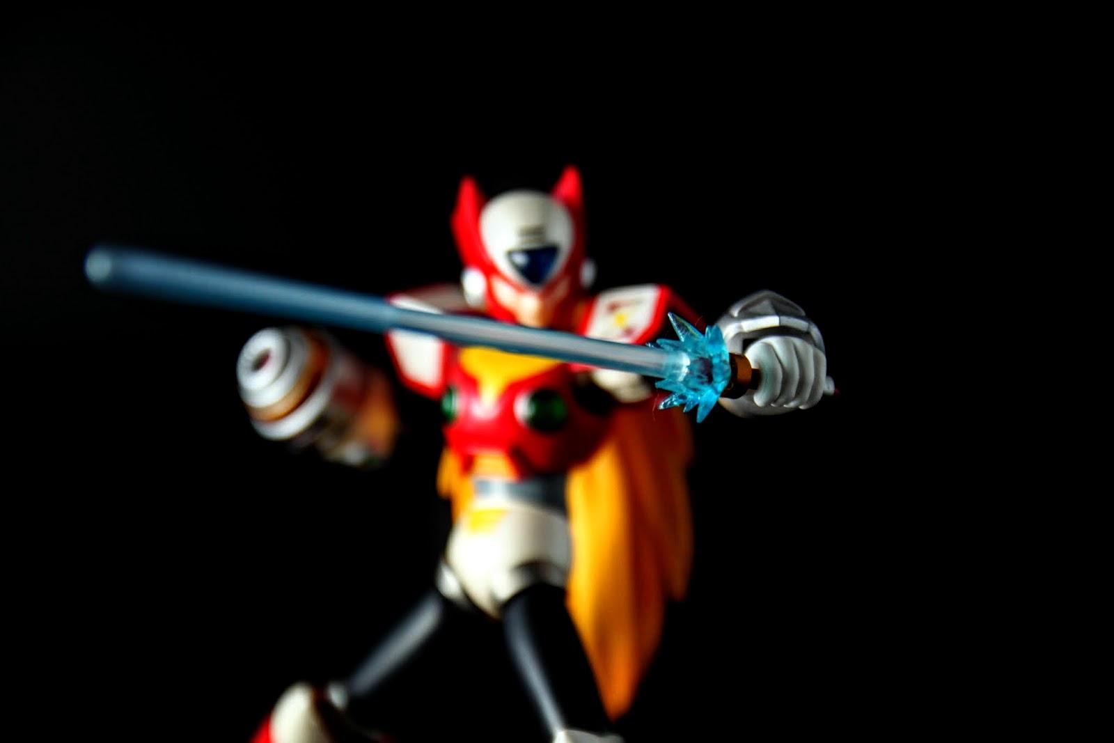 這個版本的光束刀應該是X5之後的造型, 基本上是根光束棒