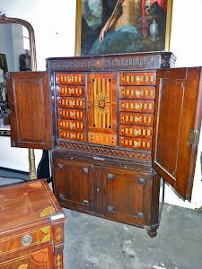 Антикварный кабинет 18-й век. 6000 евро.