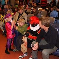 Sinter Klaas in de speeltuin 28-11-2009 - PICT6848