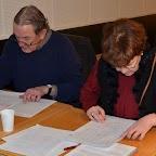 Les deux profs des dictées, Michel Bühler et Annette Cuendet en pleine correction.