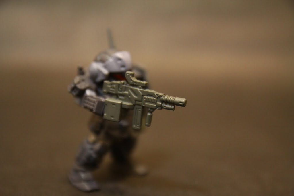 制式武裝 好薄的一片