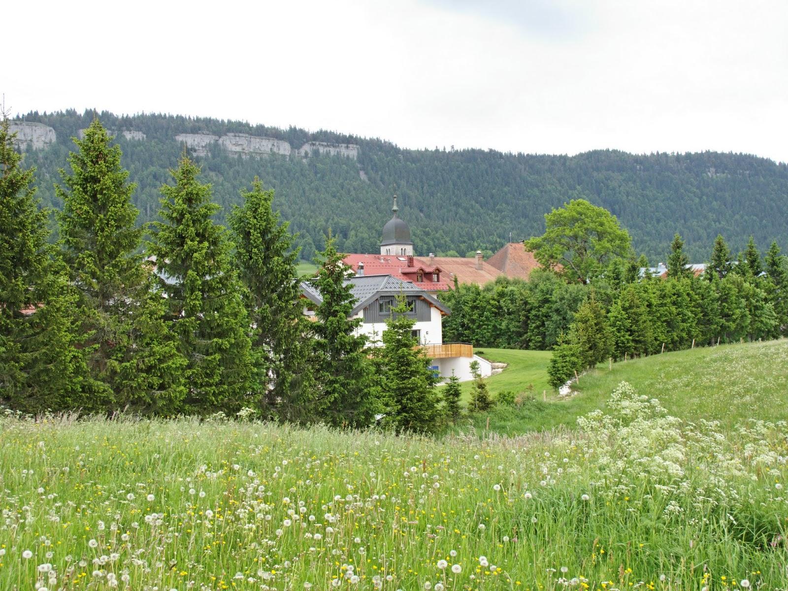 Chapelle des Bois et Mont Risoux