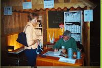 Journée du Livre 10 Jean-Claude Lumet Auteur dédicace Marie-Françoise 2001 Cossé