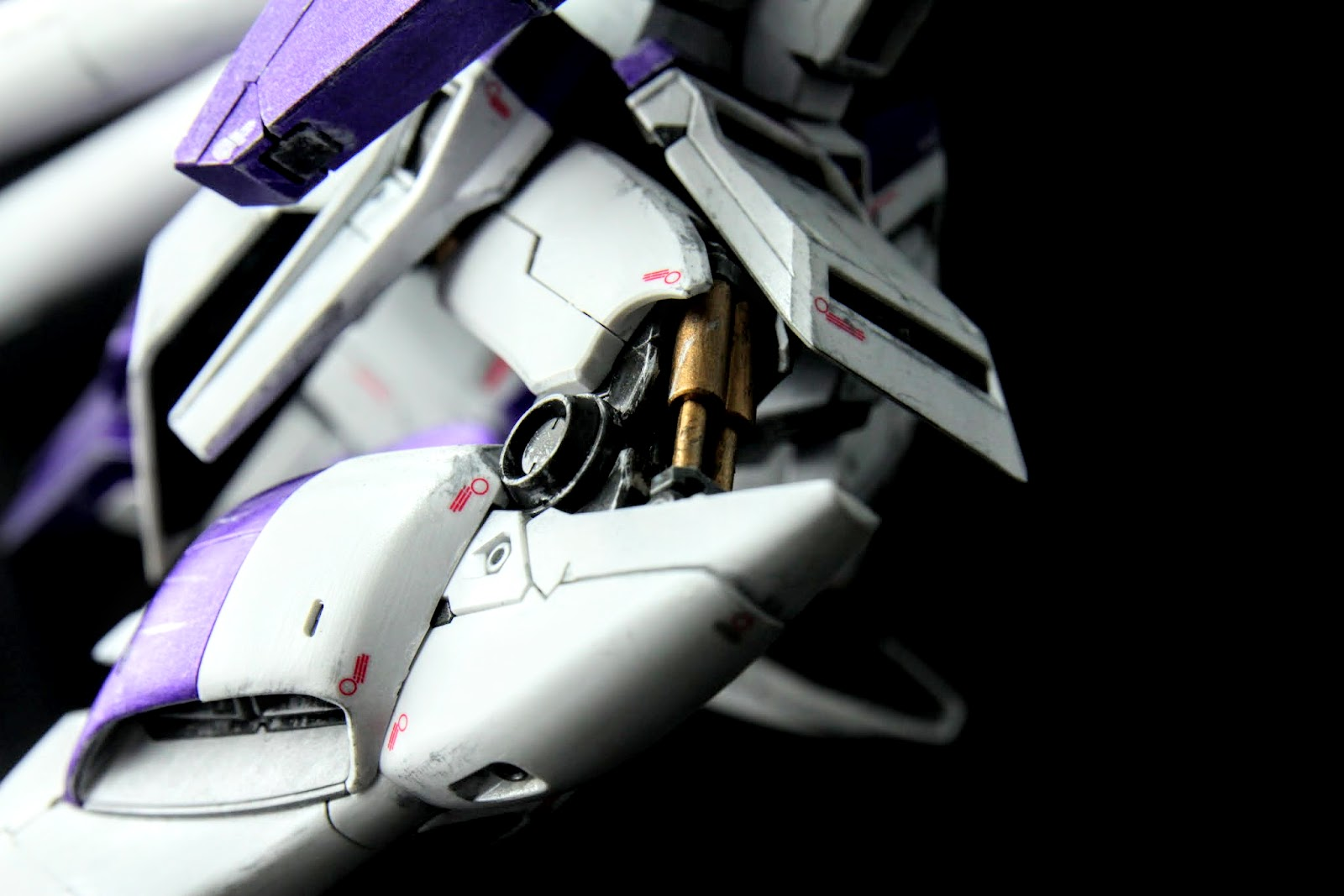 當然MG等級的骨架關節細節也不會馬虎,這次依然採取與Nu相同的舊化方式