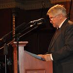 Bakos István kurátor méltatja a negyedik díjazott, Király Tibor jogtudós érdemeit