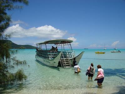 The boat to take us back to Raiatea