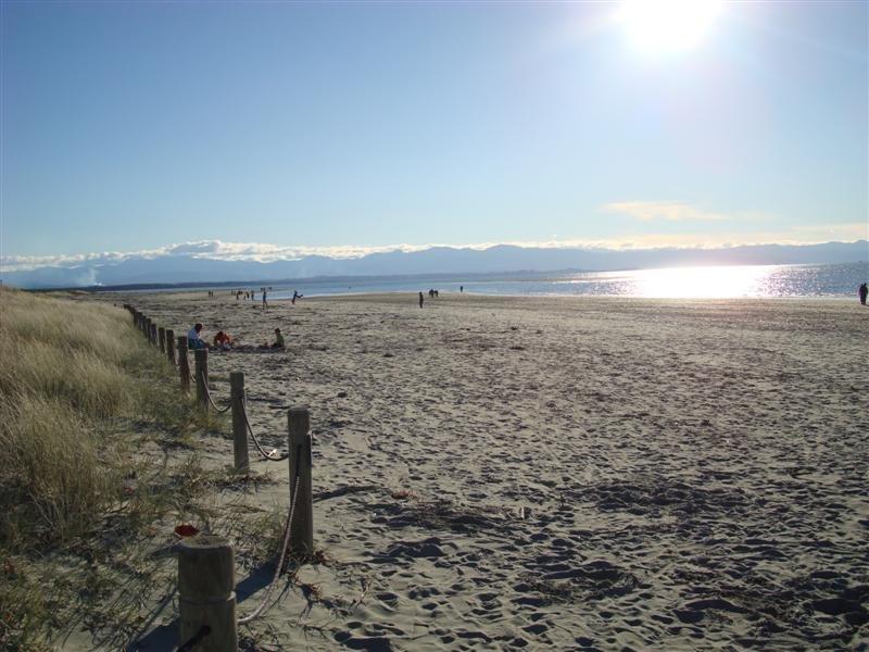 Tahananui Beach