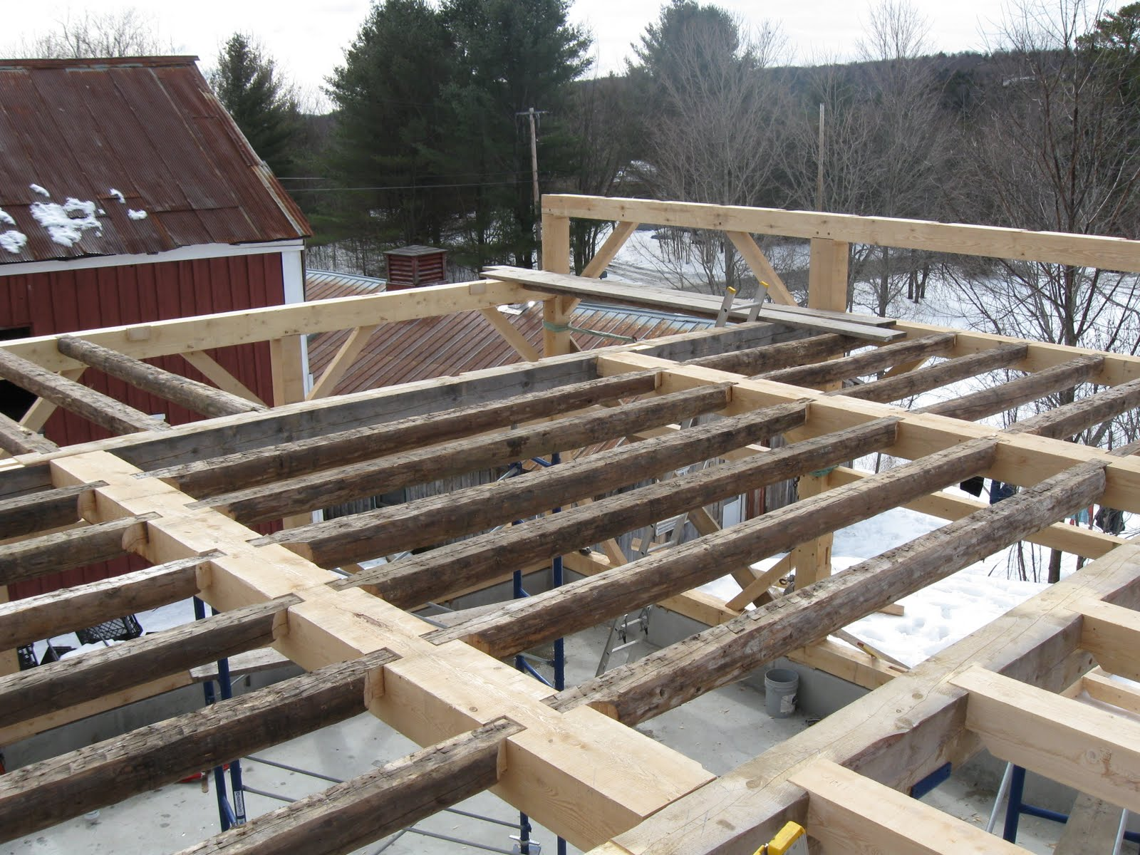 The floor joists of the house were incorporated into the frame.