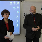 Pogány Erzsébet, a SZAKC igazgatója és Vetter János, a komáromi Ipari Szakközépiskola igazgatója üdvözlik a jelenlévőket