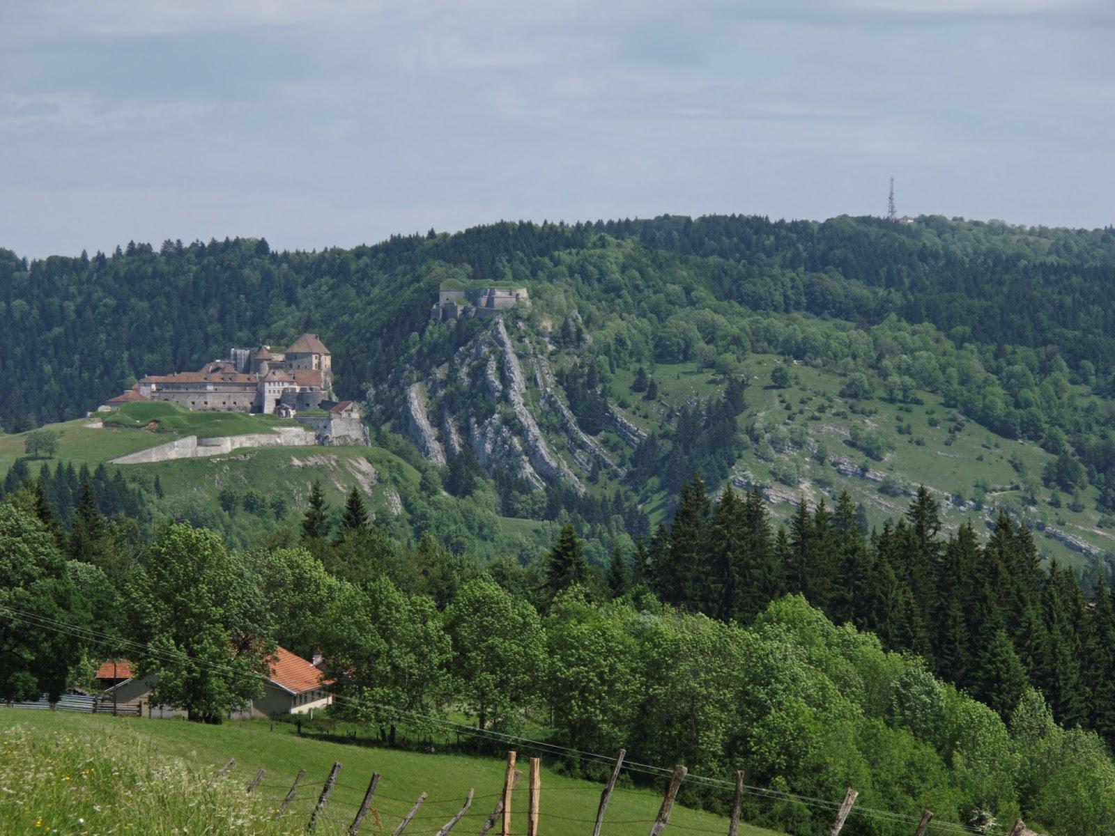 Du côté des Pussets Château de Joux