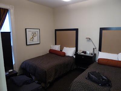 Oakland hotel room