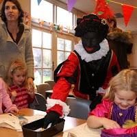 Sinter Klaas in de speeltuin 28-11-2009 - PICT6767