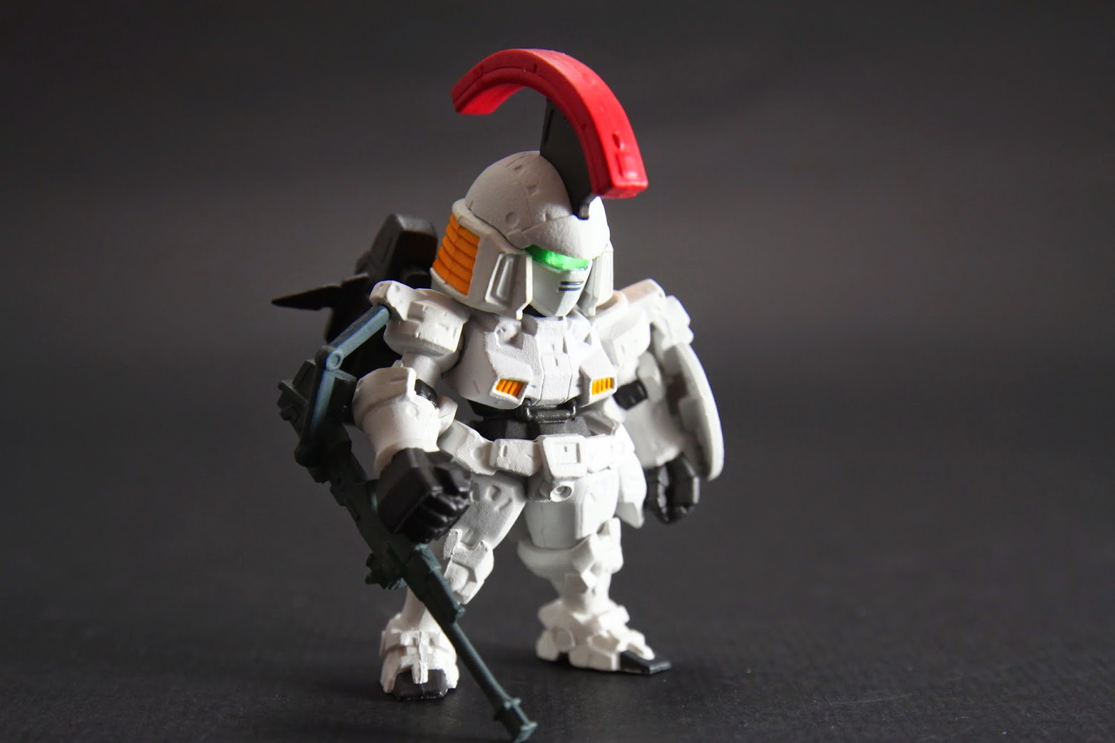 但日本動畫常有這種事 外型像騎士