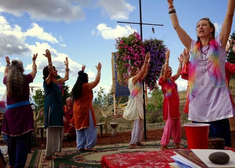 Tara dancers from Pamtingpa Center, Amitabha celebration day, Buddha Amitabha Pure Land, Washington, US, August 2014. Photo by Ven. Roger Kunsang.