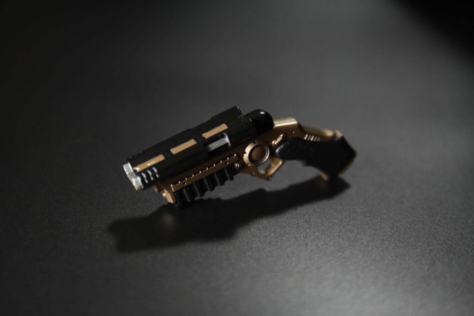 拋繩槍, 非常細緻,槍機可以向後拉