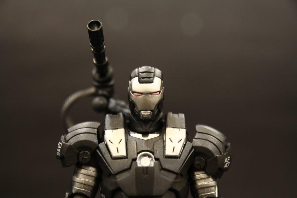 面相很不錯, 特攝比起本家系列塗裝品管好上不少~ 很可惜本款沒有重現兩肩的武器