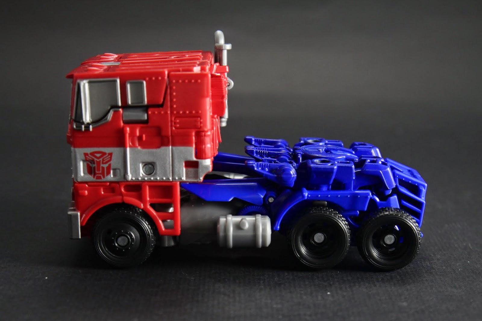 我還是覺得傳統方頭卡車比較好看