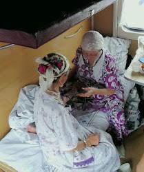 Moje komšinice, predstavnice tri generacije (najstarija, baka old 78 godina, spava)