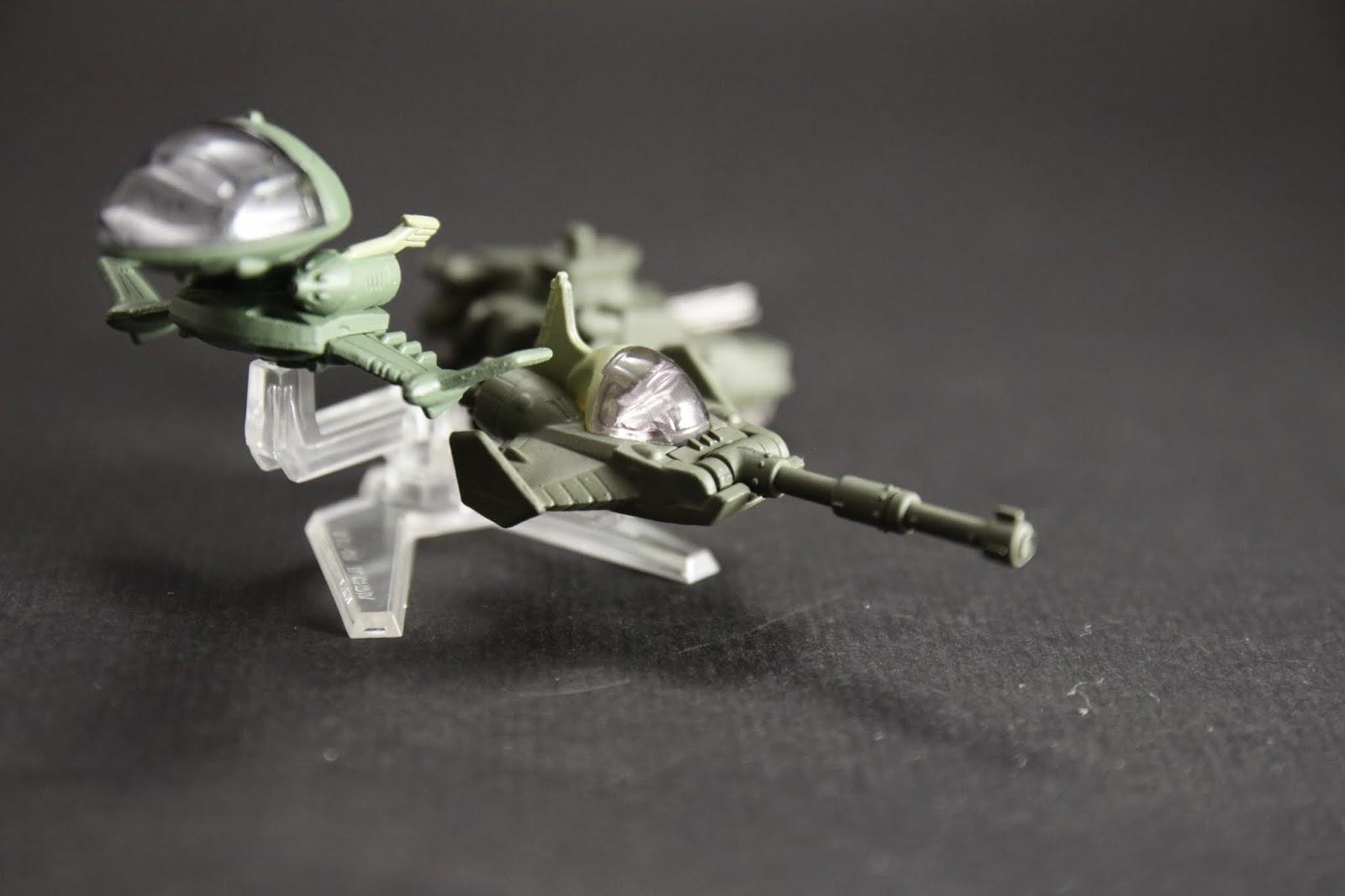 也可以分離成馬賽拉戰機 簡單說就是坦克的炮台自己飛起來啦