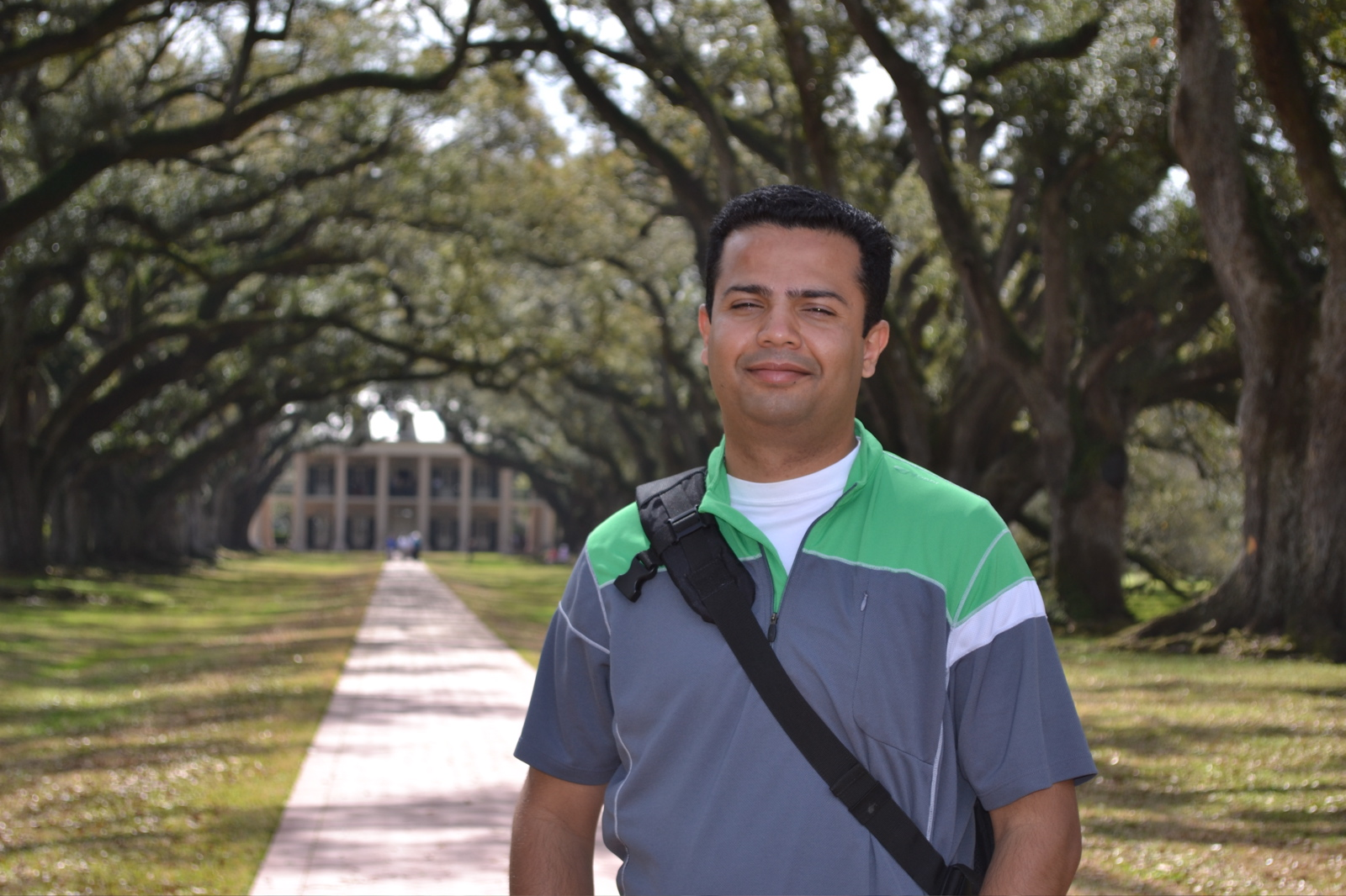 """The obligatory gratuitous """"Been There Done That"""" shot with the Oak Alley Plantation."""