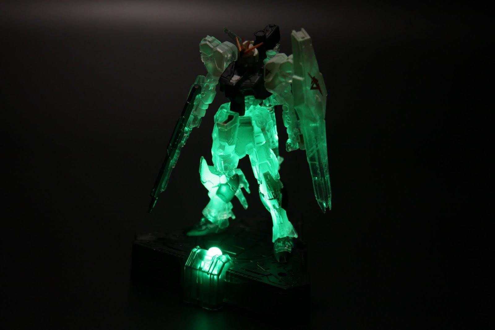 Nu Gundam用綠色應該也是呼應原作