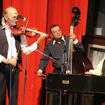 A zenei kíséretet Balog Béla és cigányzenekara biztosította