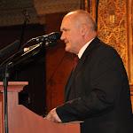 Hende Csaba honvédelmi miniszter méltatja egykori elődje, Für Lajos érdemeit, akit szintén Bethlen Gábor díjjal tüntettek ki.