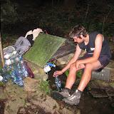 Večer se vedoucí ještě vydali doplnit zásoby vody do Fabiánova pramenu