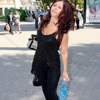"""Оксана: """"В-общем, через пару десятков шагов я уже ощущала кайф от того, что я босиком, что ноги у меня грязные и от фотосъемки!"""""""