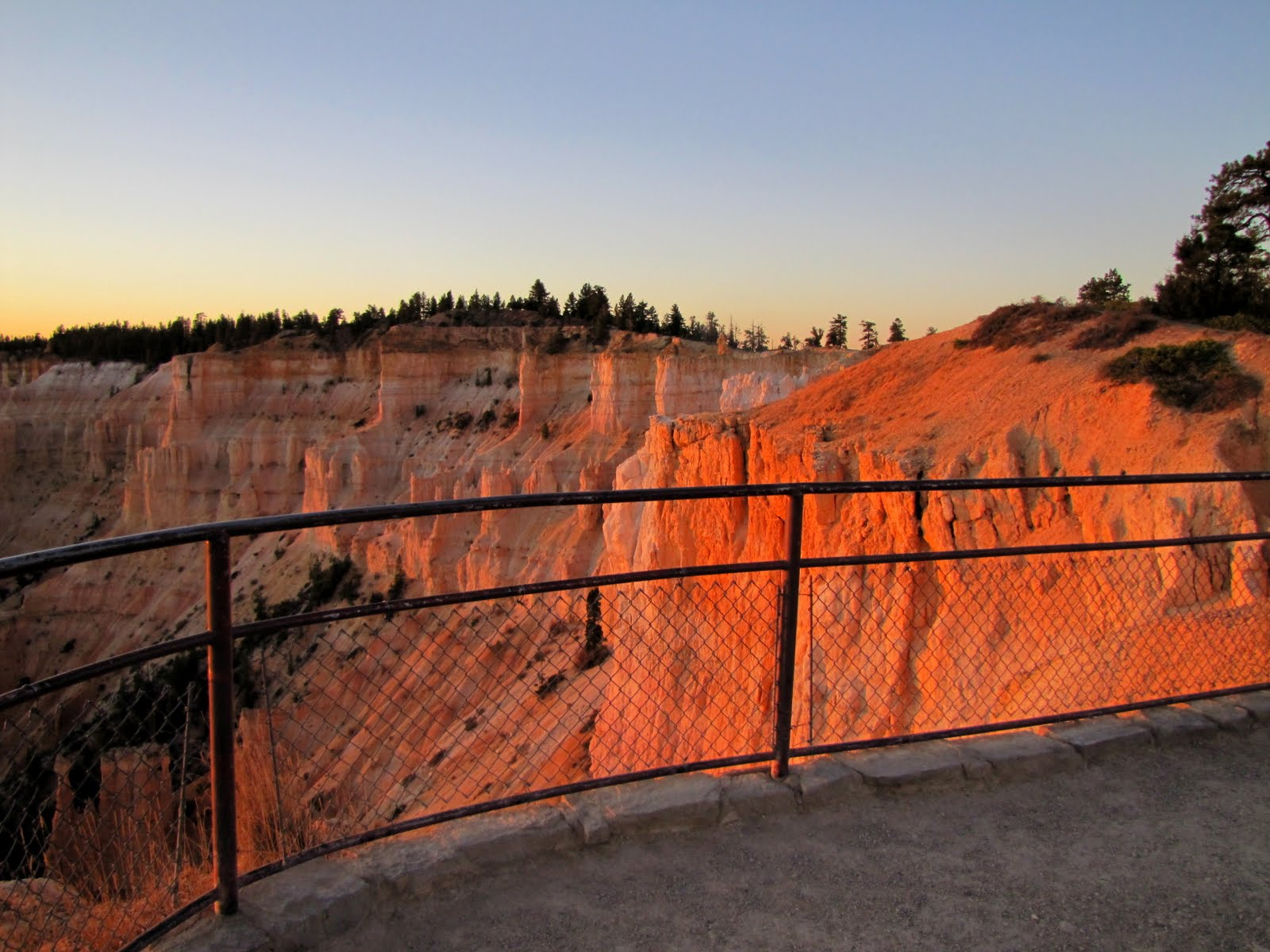 Bryce Canyon at 6:40am, the Sunrise Point View