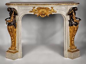 Великолепный антикварный каминный портал. 19-й век. Мрамор, бронза, патина, золочение. 142/65/116 см.