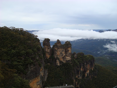 Starting the day in a wet Blue Mountains