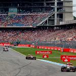 Pastor Maldonado, Lotus E22 Renault, leads Romain Grosjean