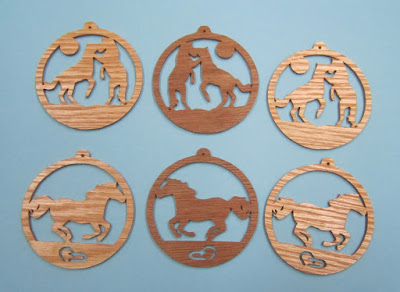 http://fssp-arpop.blogspot.com/2008/12/2-horse-ornaments-scroll-saw-ornament.html