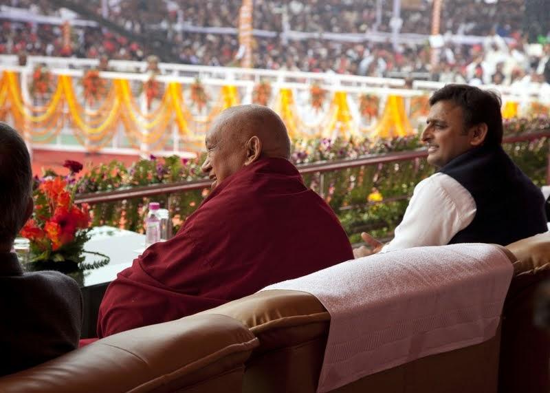 Lama Zopa Rinpoche and Uttar Pradesh Chief Minister Akhilesh Yadav during ceremony, Kushinagar, India, December 13, 2013. Photo by Andy Melnic.