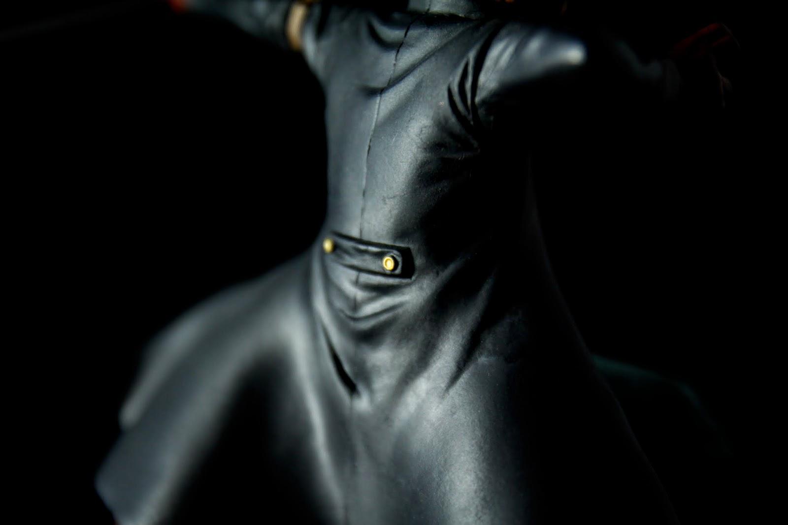 大衣的細節也很細緻