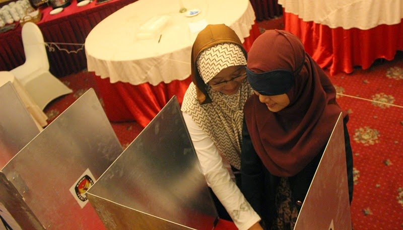 Simulation Election Voting at Observer Workshop Central Java 1-2 July 2014 - 1