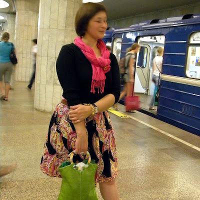 Босой можно зайти в метро: запрета в Новосибирске нет!