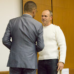 Peter Kočíšeket köszönti Horváth Zoltán, Dunaszerdahely alpolgármestere
