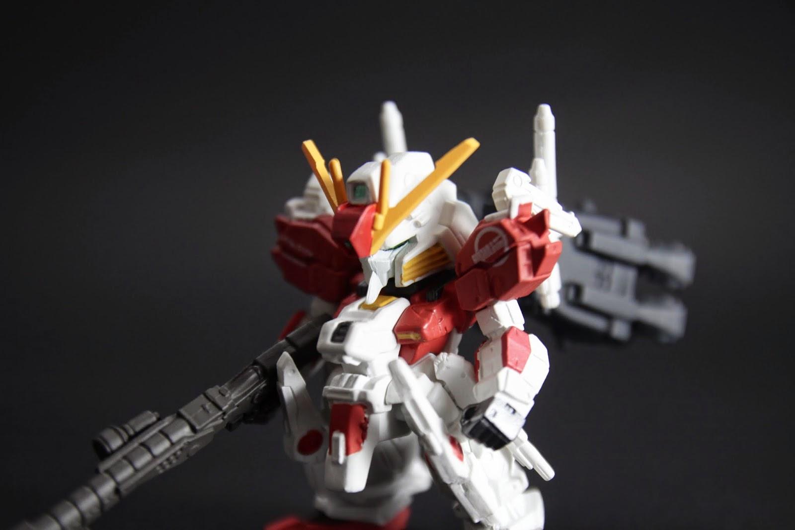 頭部來說我比較喜歡S Gundam的 Ex S就又比較流於傳統式的