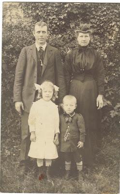 Joseph LAMBERT (dit  LE PIROU) Mathilde Gilles son épouse