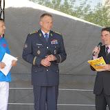 Slavnostní zahájení Bambiriády - uprostřed generál Vlastimil Picek, náčelník generálního štábu, vpravo Aleš Sedláček, předseda České rady dětí a mládeže