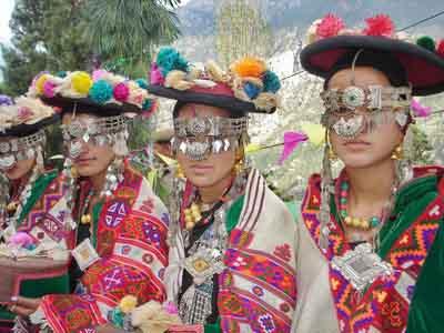 Traditional Kullu Shawls