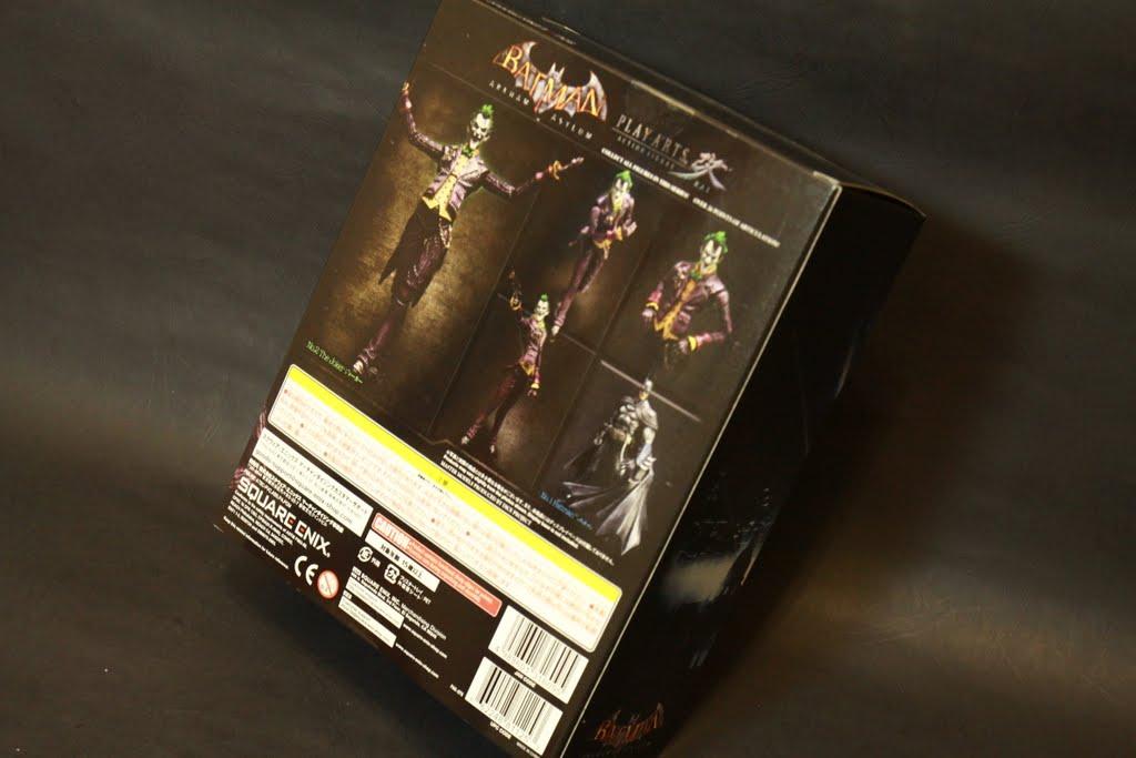 一樣是產品簡介 然後也有B哥的圖樣 本款的盒子大概只有蝙蝠俠的一半厚