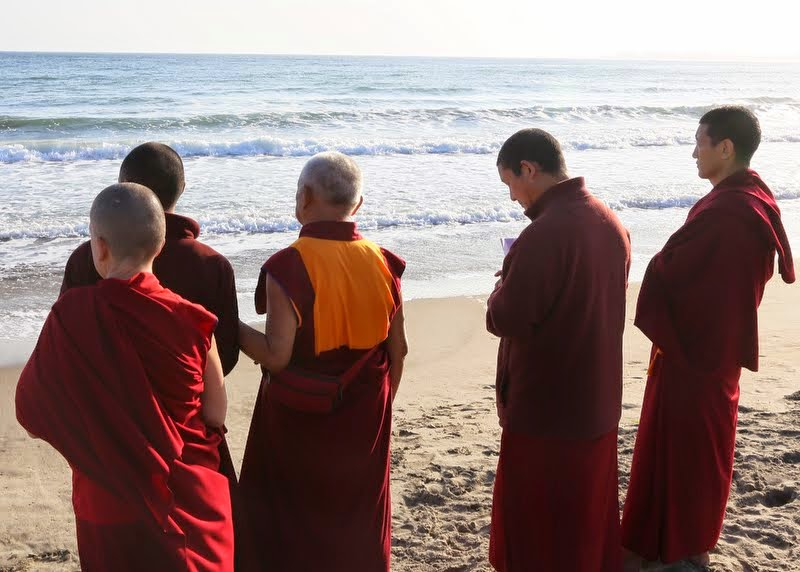 Blessing all the sentient beings in the ocean, California, US, May 2014. Photo by Ven. Thubten Kunsang.
